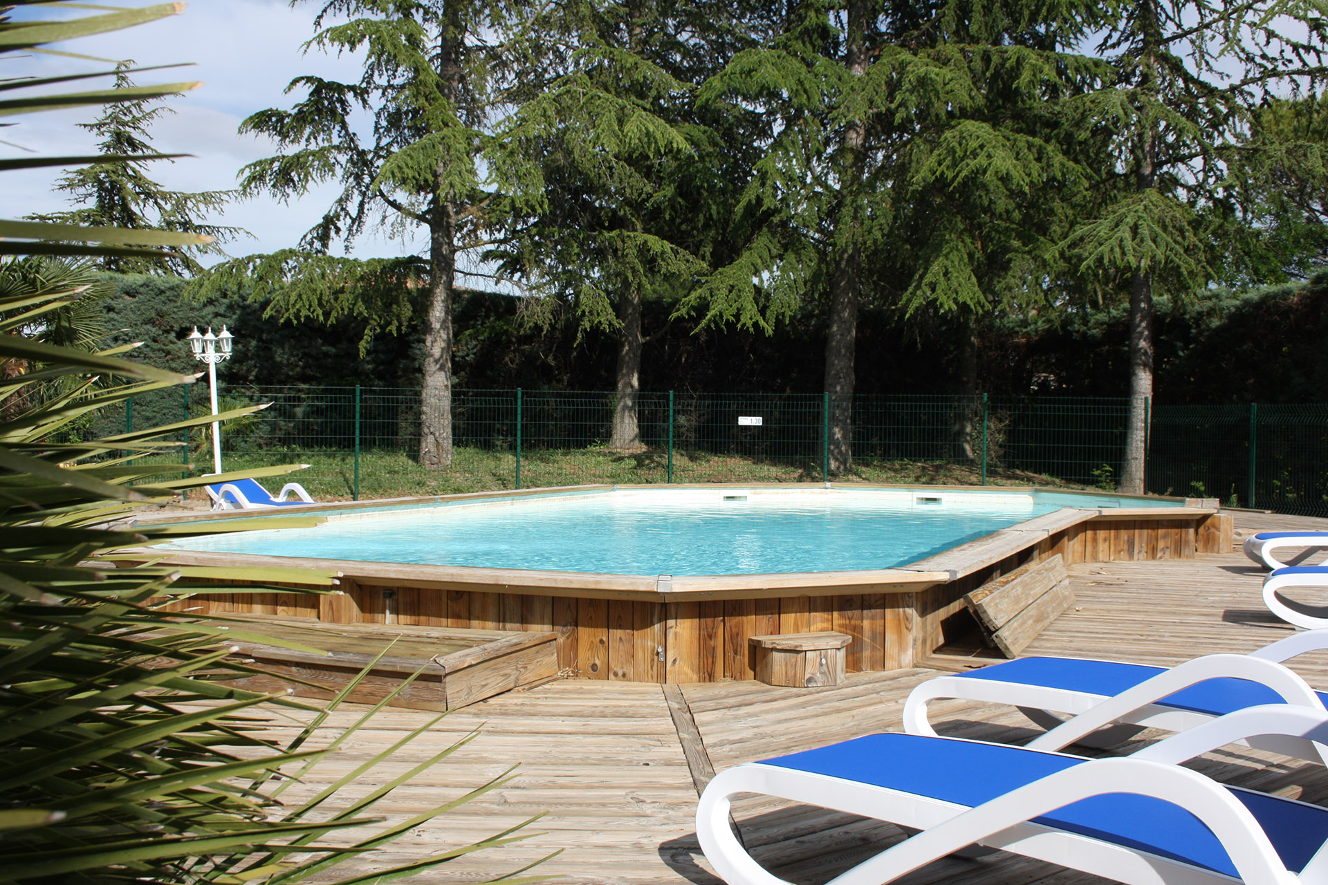 Le camping for Camping vaucluse piscine